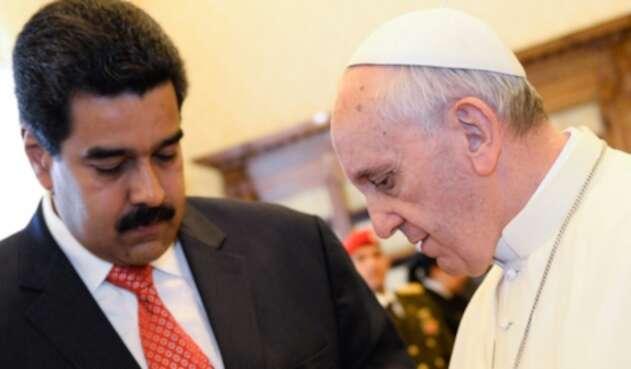 Nicolás Maduro junto al Papa Francisco en 2013 en el Vaticano