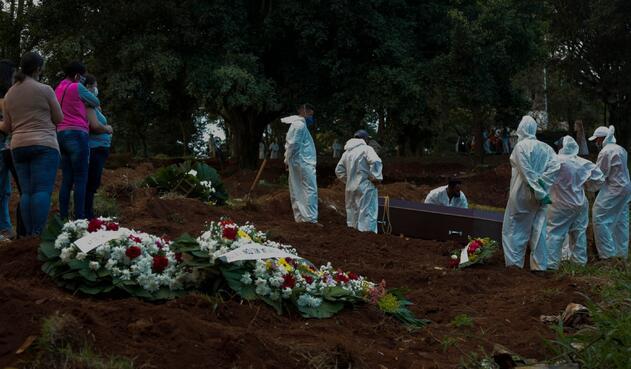 Muertos en Brasil por coronavirus ya son más de 340.000.