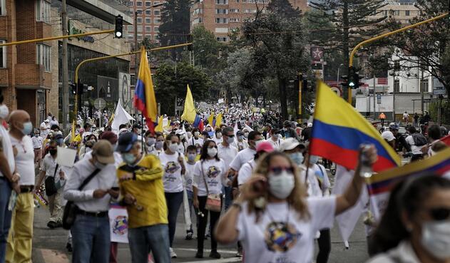 """Marchas impulsadas por la iniciativa ciudadana """"Colombia te llevo en mi Corazón"""""""