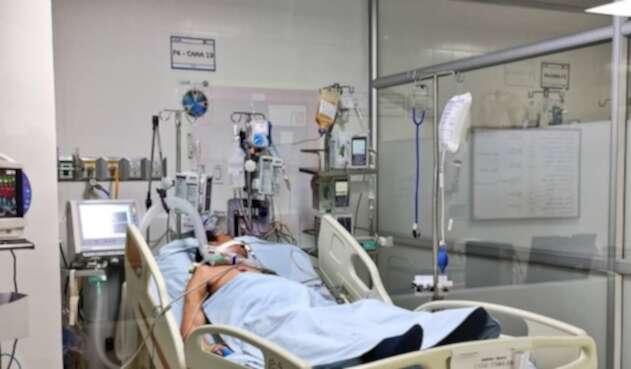 Hospitales Camas UCI Colombia