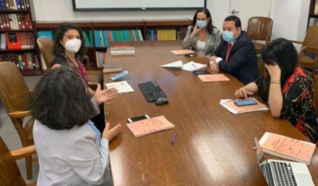 Congresistas del Centro Democrático reunidos con la CIDH