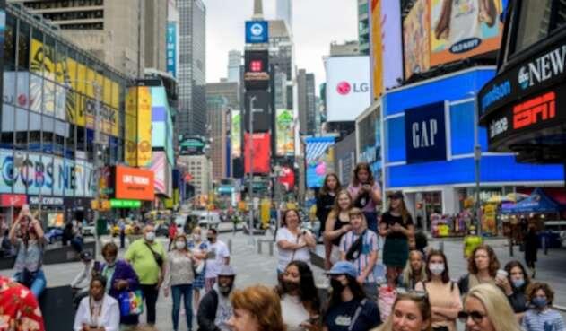 Nueva York levanta restricciones por covid-19