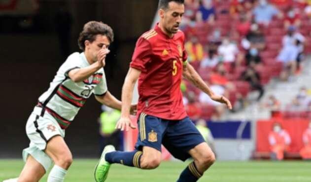 Sergio Busquets tiene covid y no jugará con la selección de España