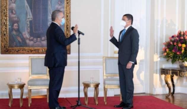 El presidente, Iván Duque, posesionó a Tito Crissien como nuevo ministro de Ciencia y Tecnología.