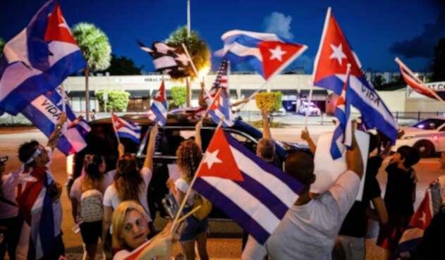 Cubanos en Miami piden acciones de Biden