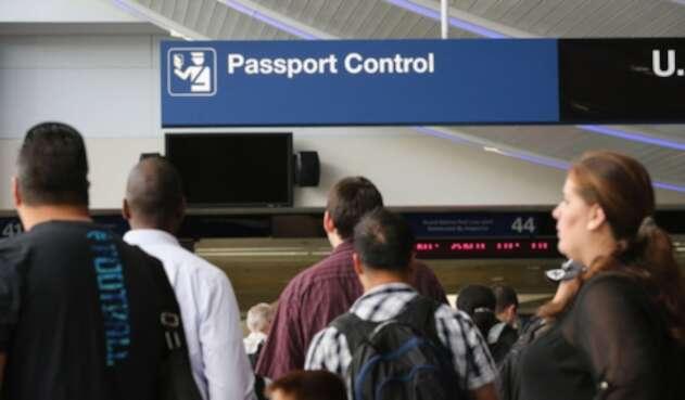 Aeropuerto, zona de control de pasaporte