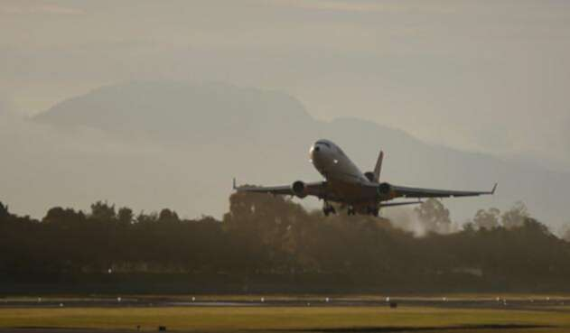 Aeropuerto-Colprensa-Juan-Páez.jpg