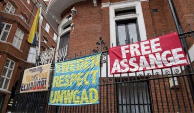 Assange-LAFm-AFP.jpg