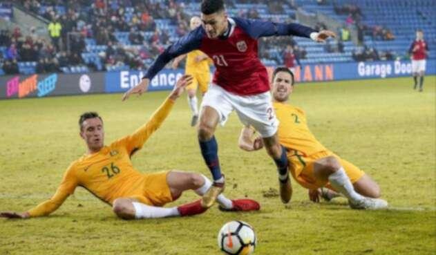 Australia-@Socceroos-LA-FM.jpg