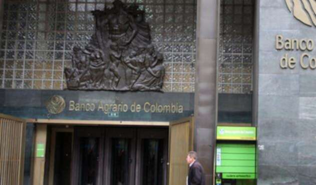 Banco-Agrario-LA-FM-COlprena.jpg