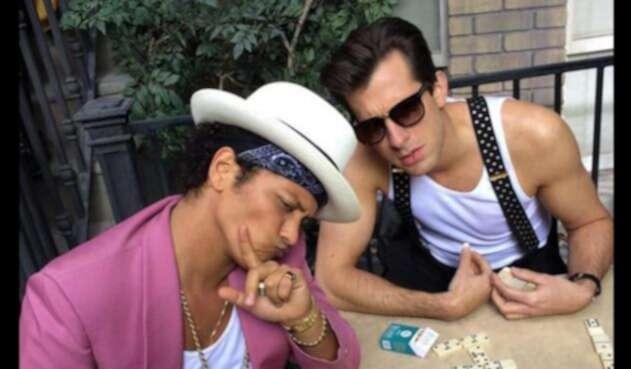 Bruno-Mars-and-Mark-Ronsons-Uptown-Funk-Notch-14-Weeks-at-No-1.jpg