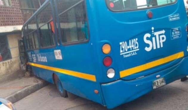 Bus-del-SITP-contra-una-casa.jpg