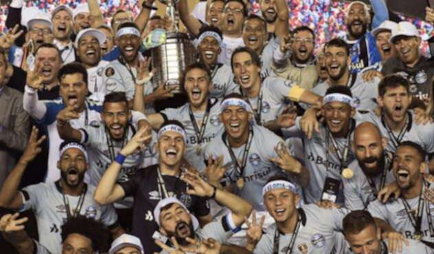 CAMPEONGREMIOOFICIALCONMEBOL.jpg