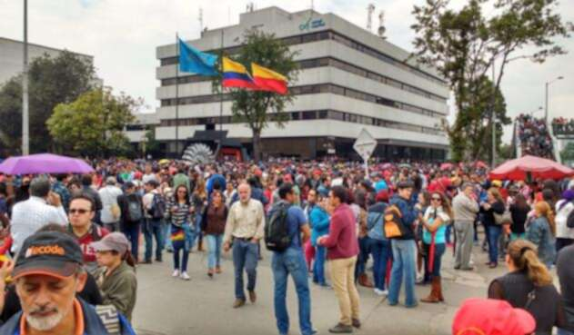 CUT-@cutcolombia-LA-FM.jpg