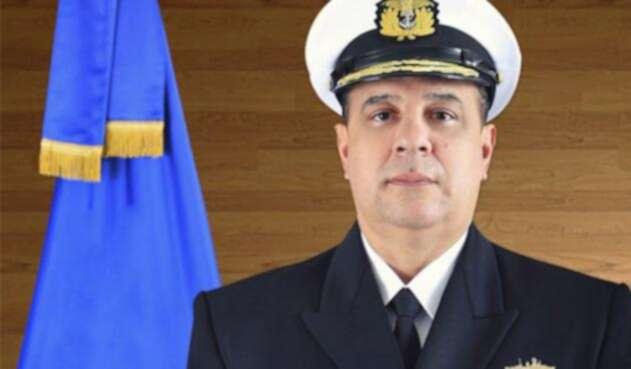 ComandanteLeonardoSantamaríaOFICIAL1.jpg