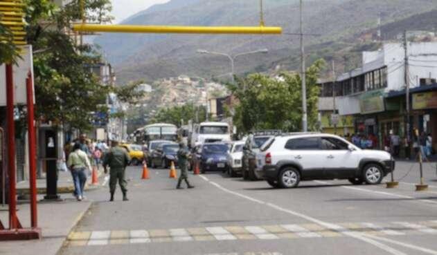 CucutaFronteraVenezuelaRefCOLPRENSA.jpg