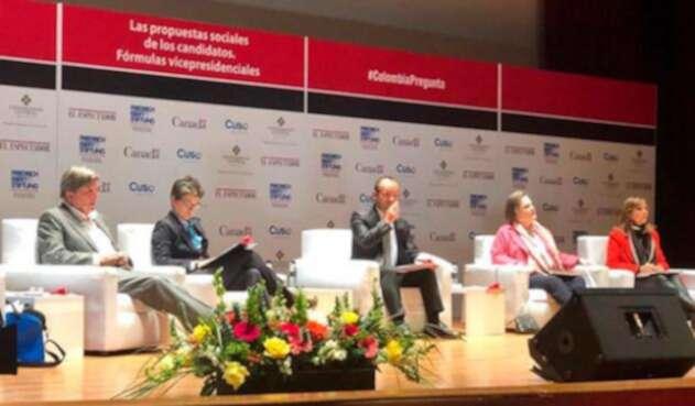 Debate-vicepresidencial-@ClaraLopezObre.jpg