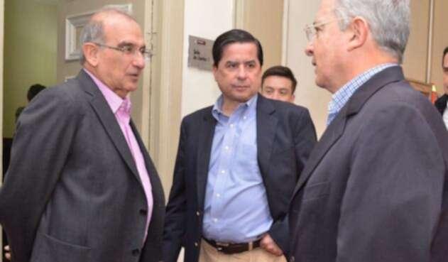 DelaCalle-Uribe-LAFm-Suministrada1.jpg