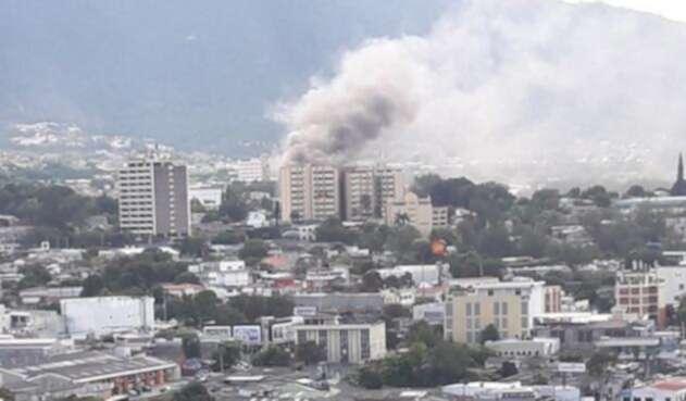 El-Salvador-LA-FM-@BomberosES.jpg