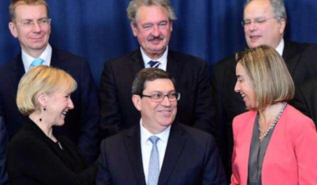 El-ministro-de-Relaciones-Exteriores-de-Cuba-Bruno-Rodríguez-Parrilla-y-la-Alta-Representante-de-la-UE-para-Relaciones-Exteriores-Federica-Mogherini-AFP.jpg