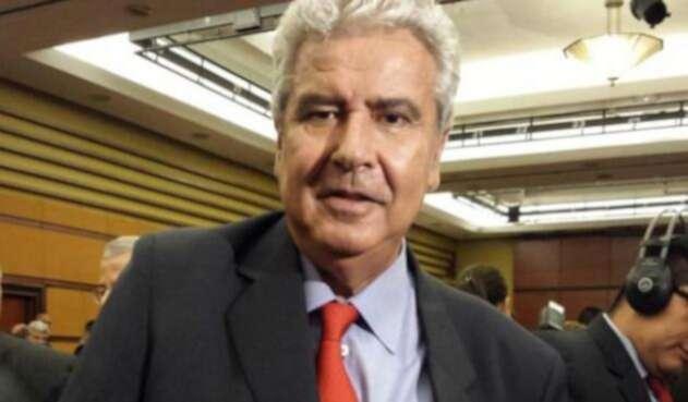 Fernando-Molina-LA-FM.jpg