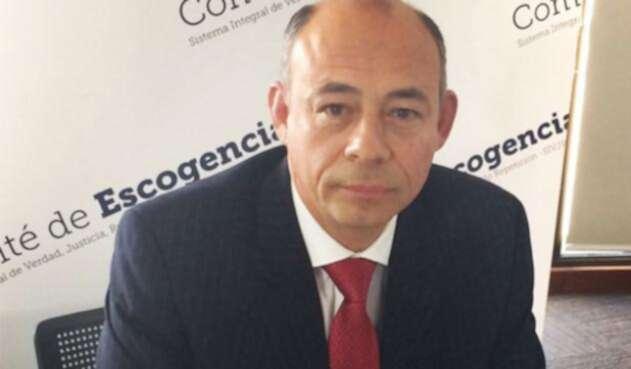 Giovanny-Álvarez-Santoyo-Comité-de-Escogencia-LA-FM.jpg