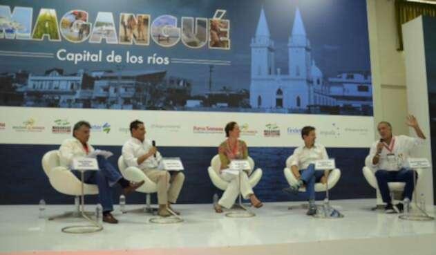 Gobernador-Verano-Foro-en-Magangué-4.jpg