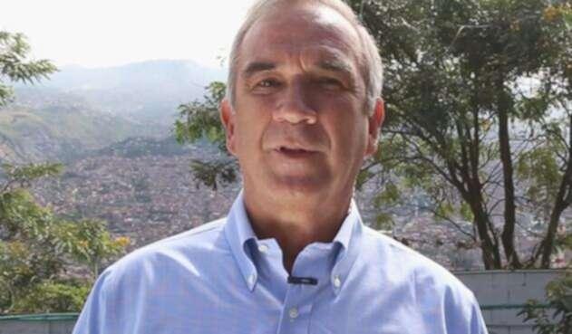 Gustavo-Villegas-LA-FM.jpg