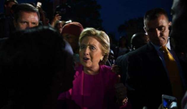 Hillary-LAFm-AFP1.jpg