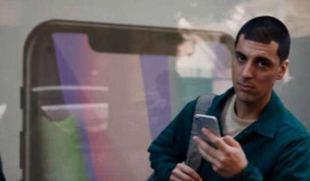 IphoneX-parodia.jpg