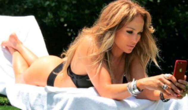 Jennifer-Lopez-@JLo.jpg