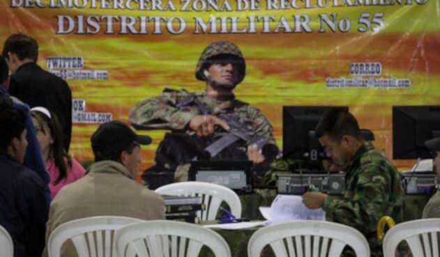 Jornadas-libreta-militar-Colprensa-Mauricio-Alvarado.jpg