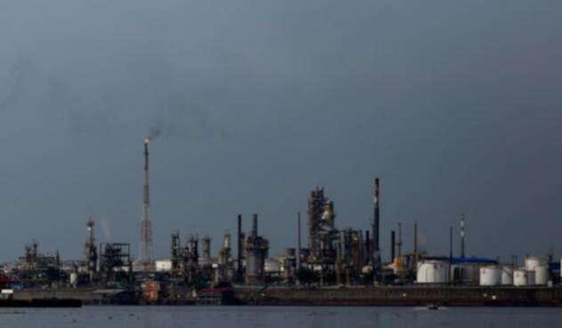 La-refinería-de-Barrancabermeja-Colprensa-Mauricio-Alvarado.jpg
