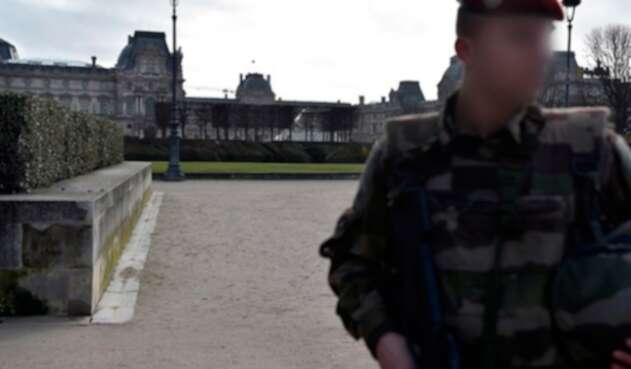 Louvreafp.jpg