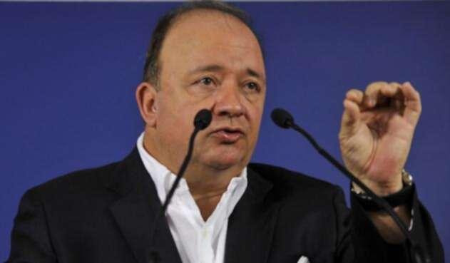 Luis-Carlos-Villegas-AFP1.jpg