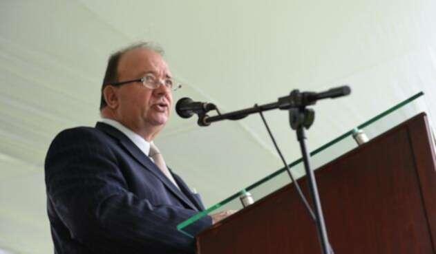 Luis-Carlos-Villegas-Colprensa-Ministerio-de-Defensa.jpg