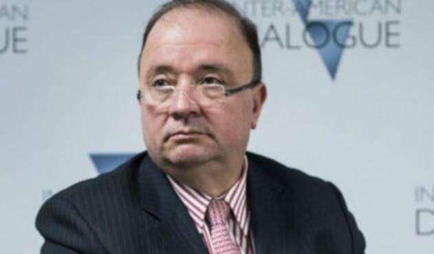 Luis-Carlos-Villegas-afp2.jpg
