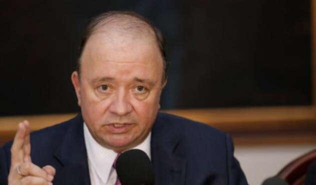 Luis-Carlos-Villegas-ministro-de-Defensa-Colprensa-Juan-Páez.jpg
