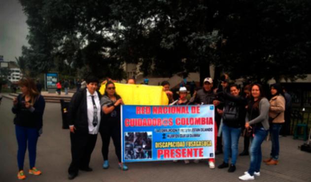 Manifestantes-Medimas-LA-FM.png