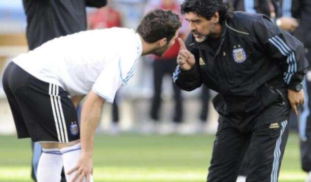 Maradona-e-Higuaín-LAFm-AFP.jpg
