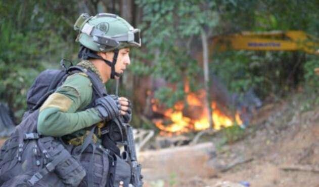 Minería-ilegal-foto-fuerzas-militares-3.jpg