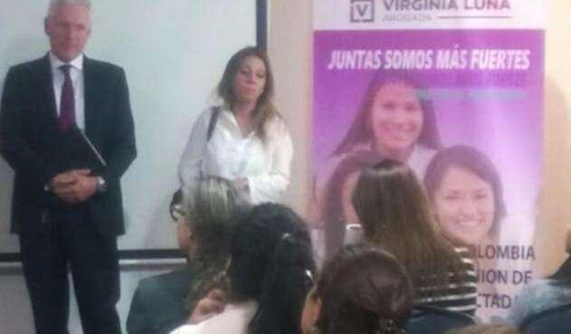 MujeresVictimasImplantesFMRCNRadio1.jpg