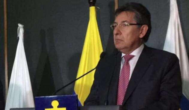 Nestor-Humberto-Martínez-LA-FM.jpg