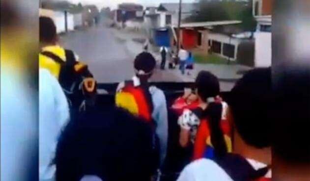 Niños-Venezuela-Camion.jpg