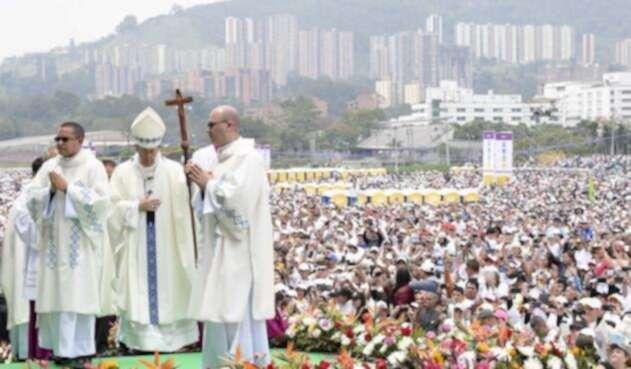 Papa-Francisco-en-Medellín-LA-FM-AFP.jpg