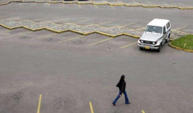 Parqueadero-LA-FM-Colprensa.jpg