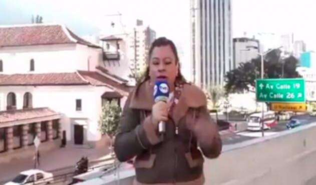 Periodista-papa-movil.jpg