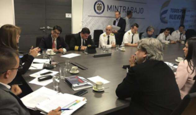 Pilotos-LA-FM-@MintrabajoCol.jpg