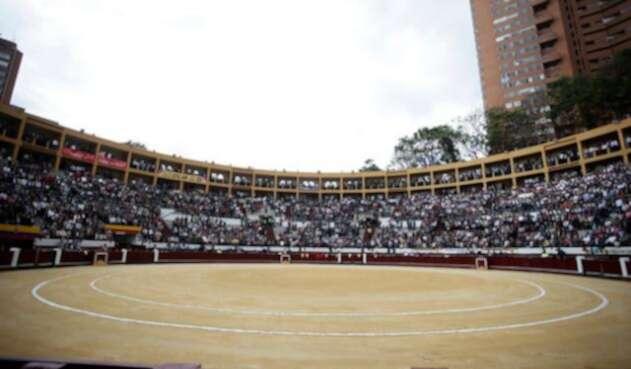 Plaza-de-toros-Colprensa-Juan-Páez.jpg