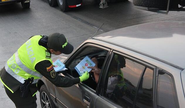 Policía-de-transito-Barranquilla-Juan-Manuel-Cantillo-Colprensa.jpg